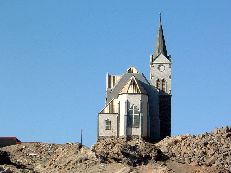 Evangelische Missionskirche in Lüderitz/Namibia. Als sie 1912 erbaut wurde, war das Gebiet im südlichen Afrika deutsche Kolonie. Foto: only_point_five/Flickr.com (cc by-nc).